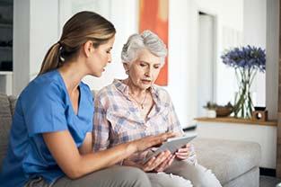 Les nouvelles technologies pour personnes âgées qui améliorent leur confort et leur sécurité́