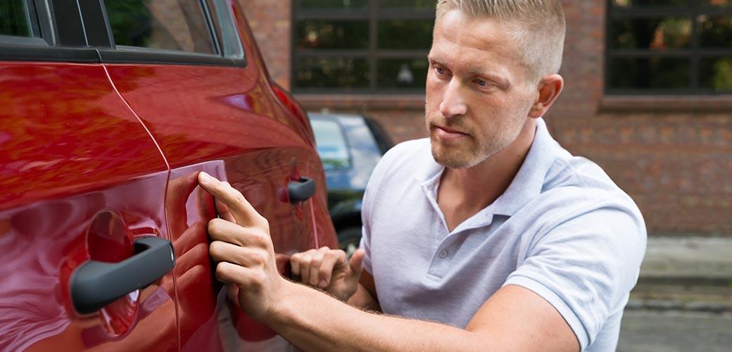 Eviter les arnaques à la vente de voiture d'occasion