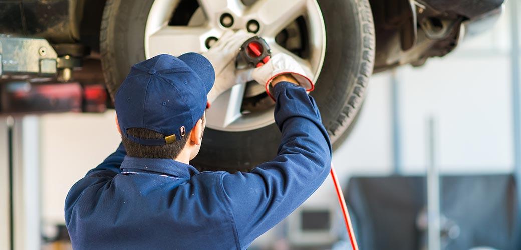 Quand changer un pneu de voiture