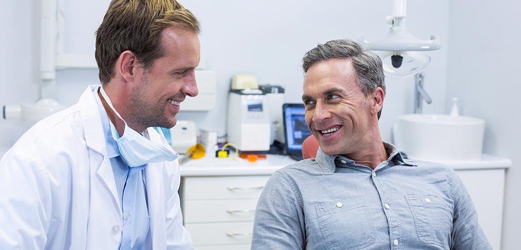 Détartrage dentaire : pour qui, quand, comment ?