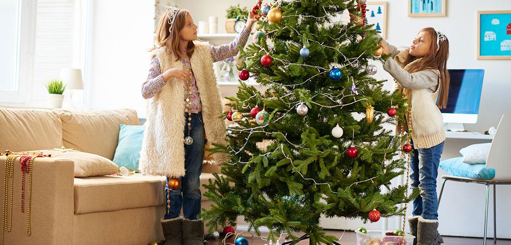 Sapin de Noël et guirlandes lumineuses : évitez les risques d'incendie
